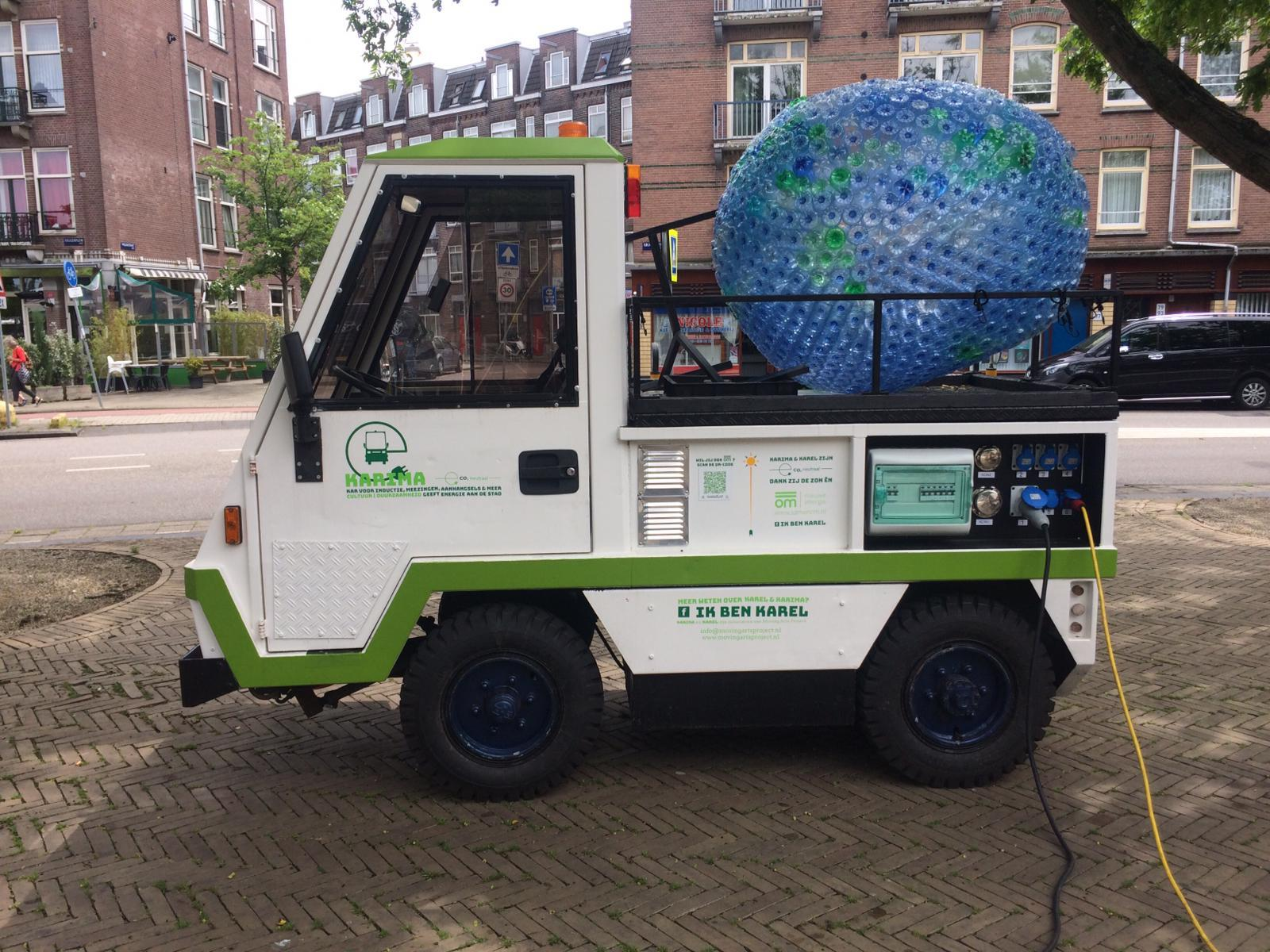 Electrische auto Karel van Moving Arts Project