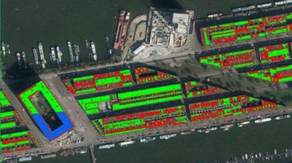 Bewerkte luchtfoto van het OHG. Groen gekleurde daken zijn optimaal geschikt voor zonnepanelen.